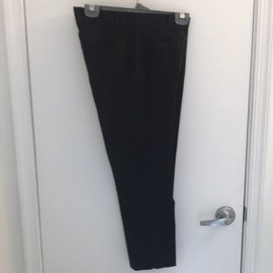 Cotton crop pant in black
